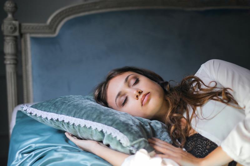 több alvás fogyás