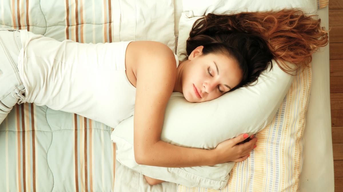 miért fogyunk alvás közben)
