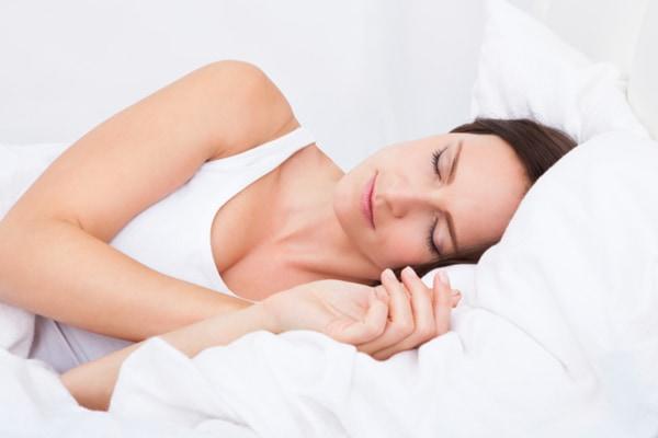 hogyan lehet folyamatosan zsírégetni alvás közben)