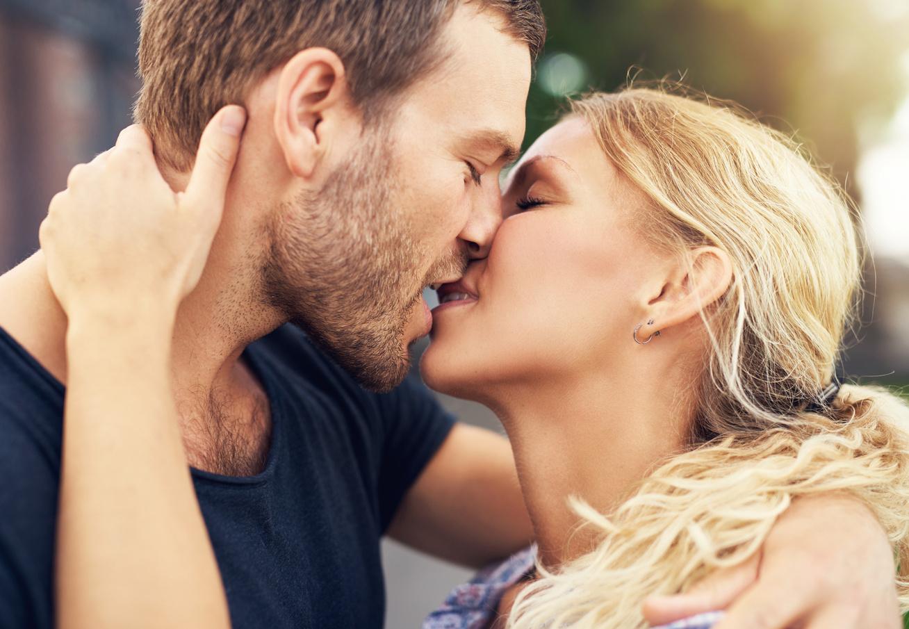 a csók súlycsökkenést okoz