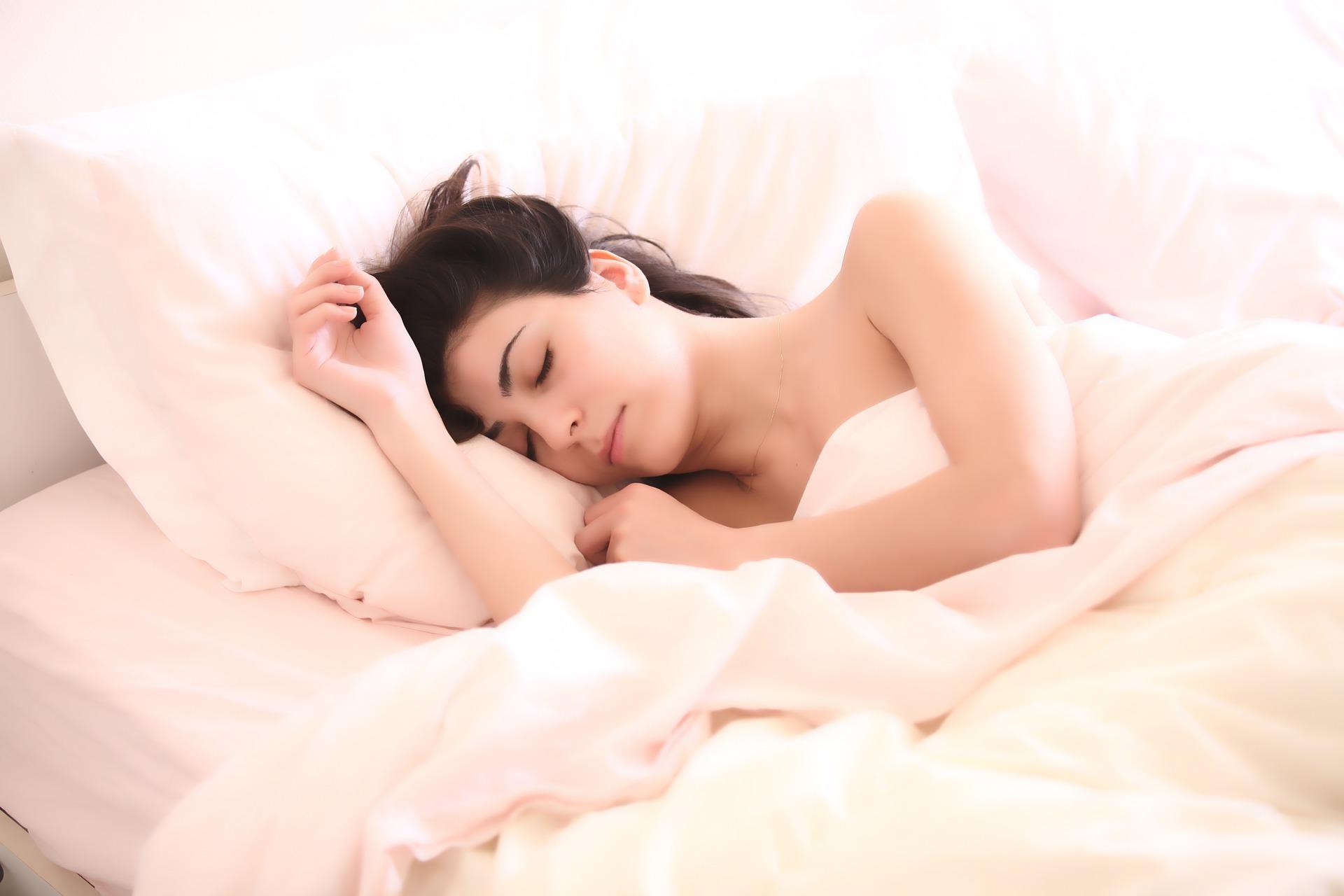 A jó alvás segíthet a fogyásban is