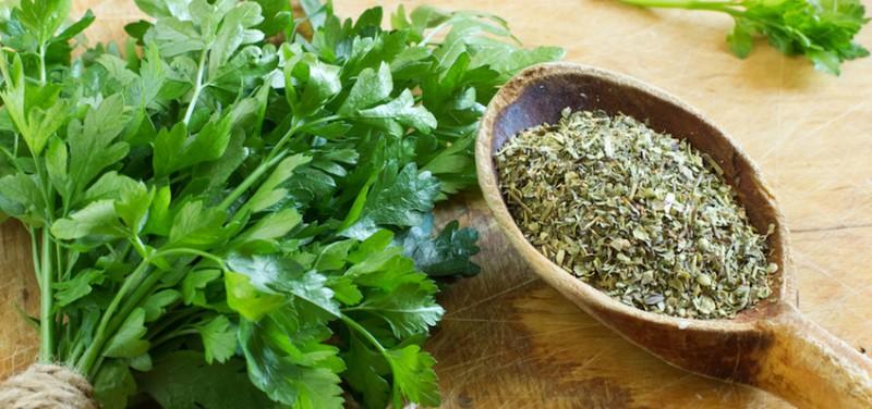 petrezselyem tea fogyás előnyei